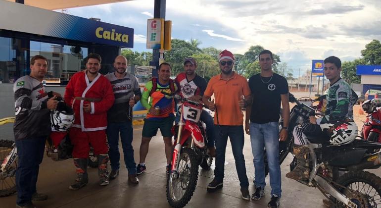 Gesto de amor: crianças de Lagoa Formosa recebem presentes de Natal do Grupo Extreme Motors