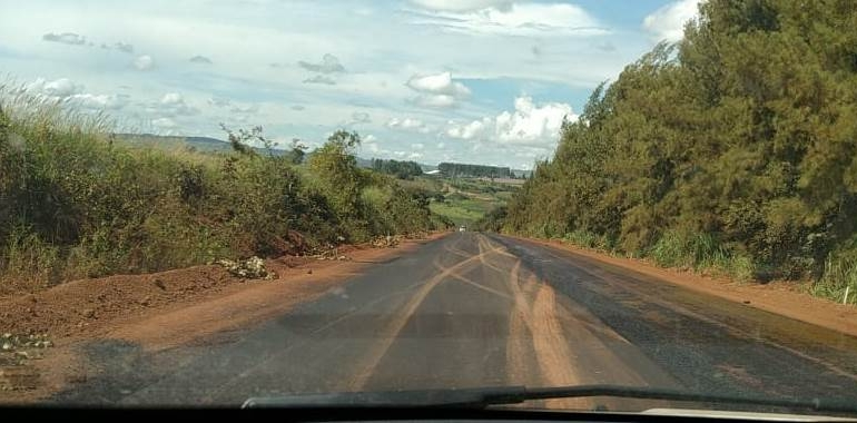 Prefeitura de Lagoa Formosa inicia pavimentação da estrada de Campo Alegre até a divisa com o município de Patos de Minas