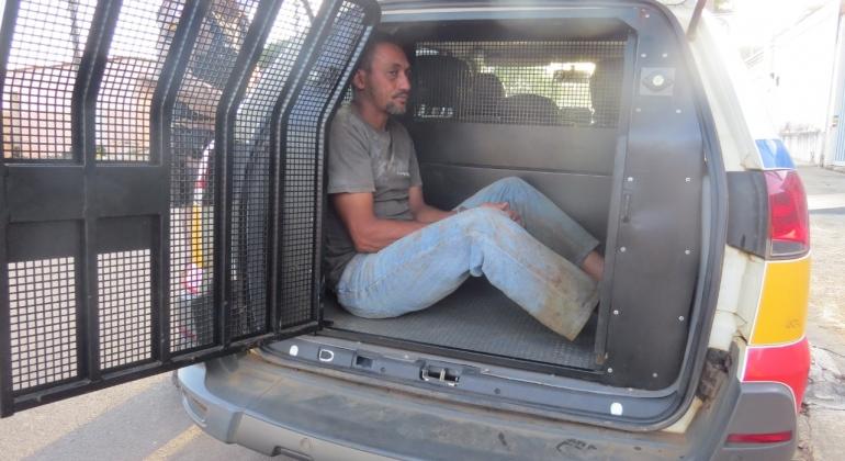 Homem suspeito de cometer furtos é preso em Quintinos por porte ilegal de arma de fogo