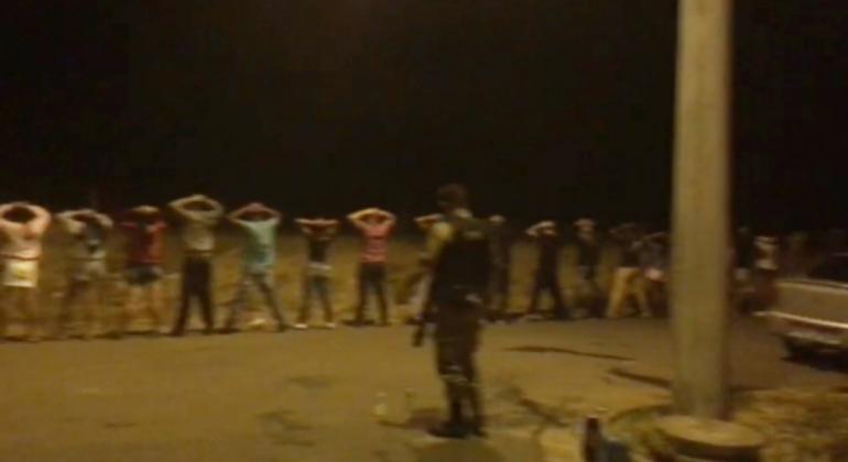 PM apreende veículos, motos e arma durante luau em Presidente Olegário