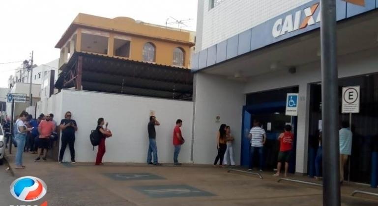 Agências bancárias de Patos de Minas voltam a funcionar das 10h às 15h a partir de segunda-feira (23)