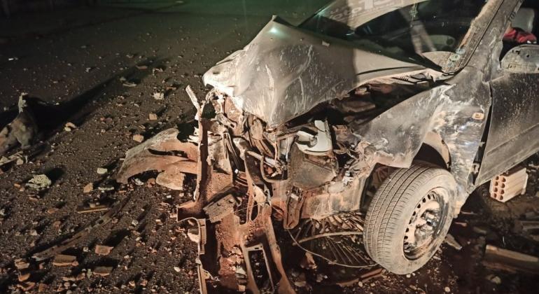 Indivíduos furtam carros dentro de oficina em Lagoa Formosa e um deles acaba causando grave acidente
