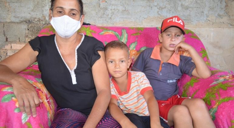 Lagoa Formosa: mãe pede ajuda a população para conseguir cuidar dos filhos menores de idade