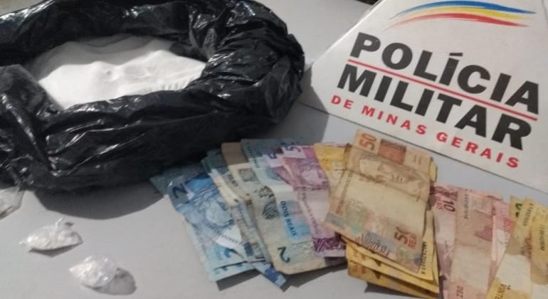 Dupla é detida com porções de cocaína, ácido bórico e dinheiro em Patos de Minas