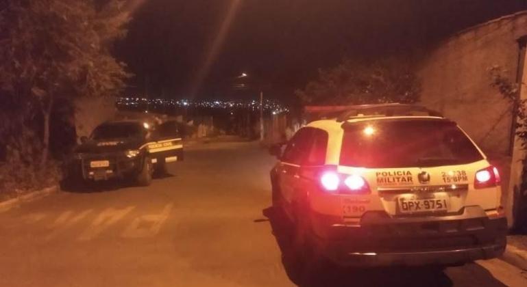 Mulher é agredida e mantida em cárcere privado em Patos de Minas por companheiro; homem foi preso