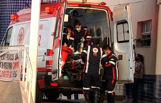 Morre homem de 47 anos que caiu ao tentar embarcar em ônibus na cidade de Patos de Minas